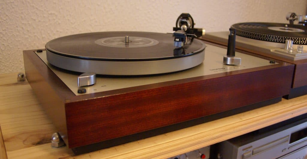 avis platine vinyle thorens test comparatif. Black Bedroom Furniture Sets. Home Design Ideas