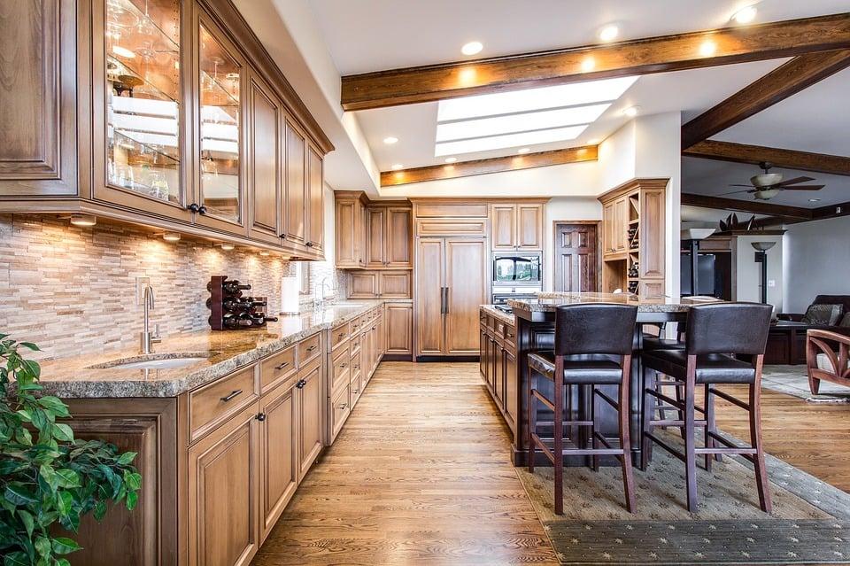 moderniser une cuisine en chêne